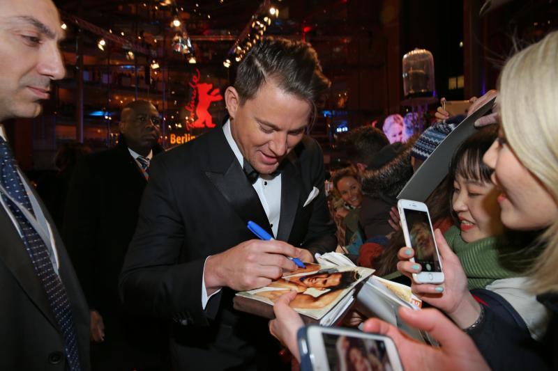 Channing Tatum firmando autográfos