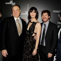 Dan Trachtenberg, John Goodman, Mary Elizabeth Winstead, John Gallagher Jr, y J.J. Abrams