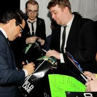 J.J. Abrams firmando autográfos