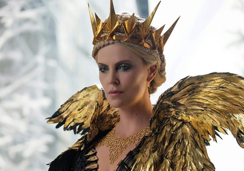 Charlize Theron en su papel de Ravenna