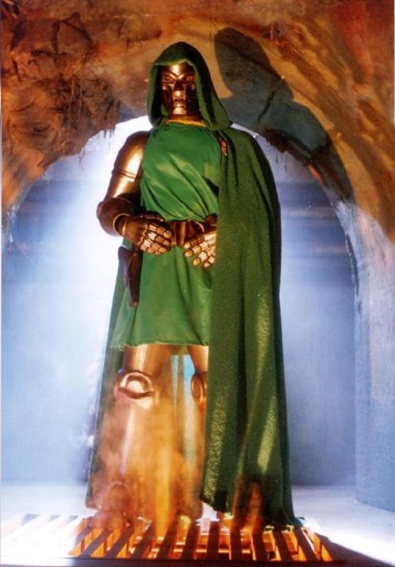 Joseph Culp como Dr Doom en Los Cuatro Fantásticos (1994)