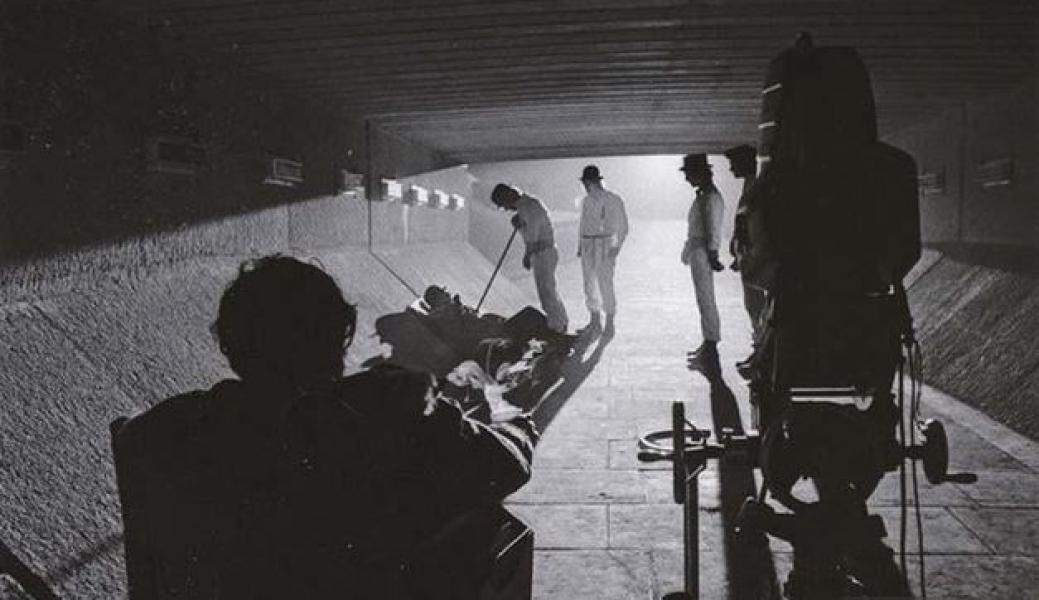 Kubrick filmando una secuencia de La Naranja Mecánica