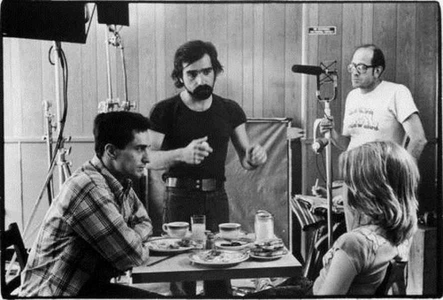Scorsese junto a Robert DeNiro y Jodi Foster preparando una escena de Taxi Driver