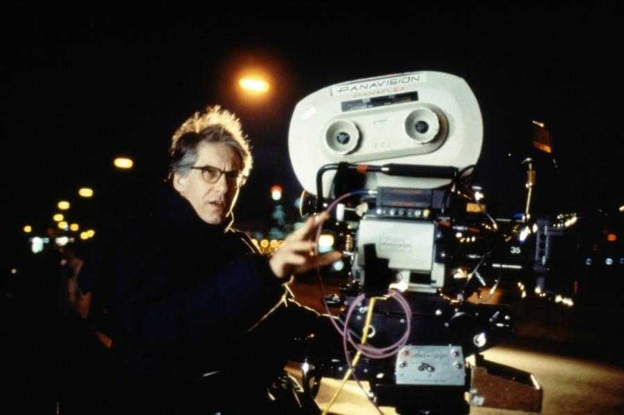 David Cronenberg filmando una secuencia de Crash (1996)