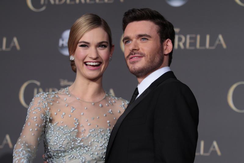 Lily James luciò un vestido digno de una princesa de la vida real confeccionado por Elie Saab Haute Couture.